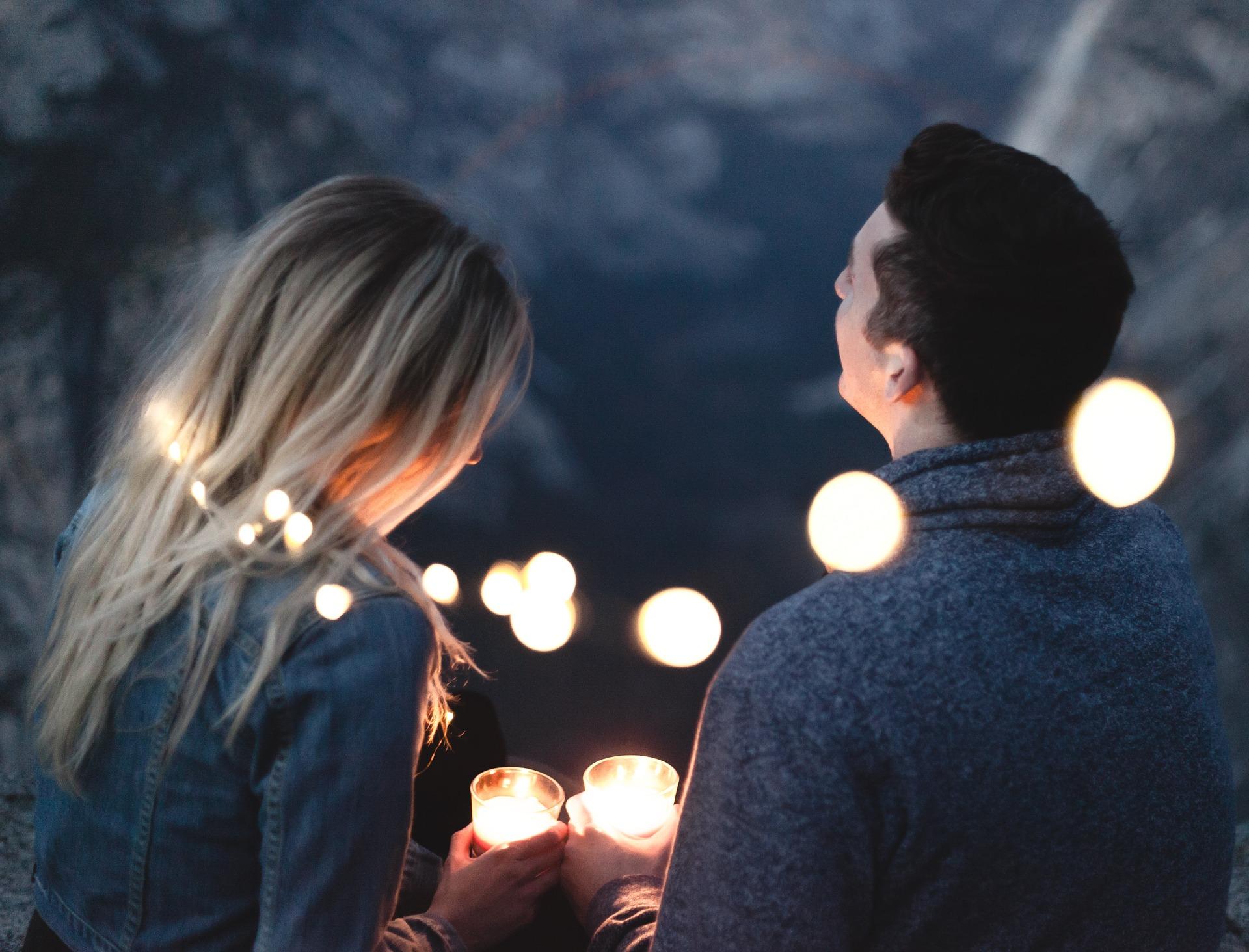 """Wie wäre es mit einem """"Liebessprachencoaching"""", damit später keine Paartherapie nötig ist?"""
